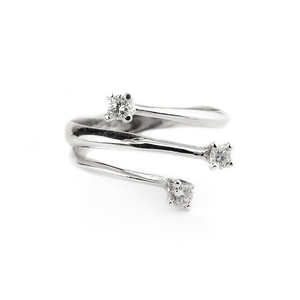 Trilogy ring with 0.24ct diamonds g vvs in 18kt white gold
